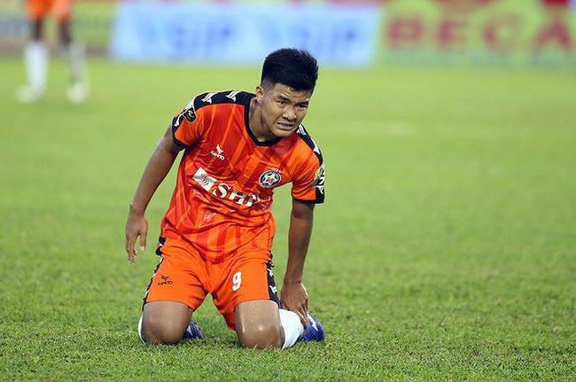 Đã rõ mức độ chấn thương của song sát U23 Việt Nam sau vòng 1/8 Cúp QG - Bóng Đá