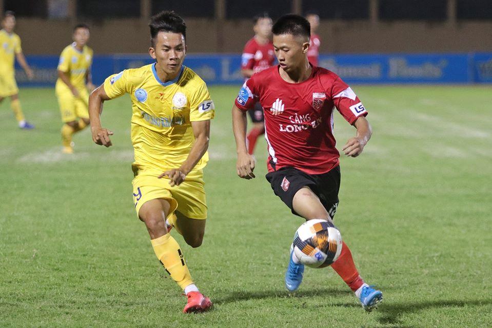 Lê Hoàng Dương ghi bàn đẹp mắt, Long An vẫn trắng tay trước Sanna Khánh Hoà - Bóng Đá