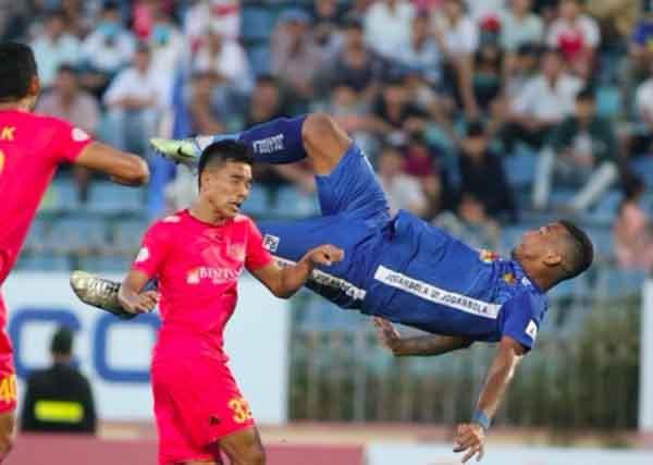 Truyền thông Tây Ban Nha tấm tắc khen ngợi bàn thắng của tiền đạo Quảng Nam - Bóng Đá
