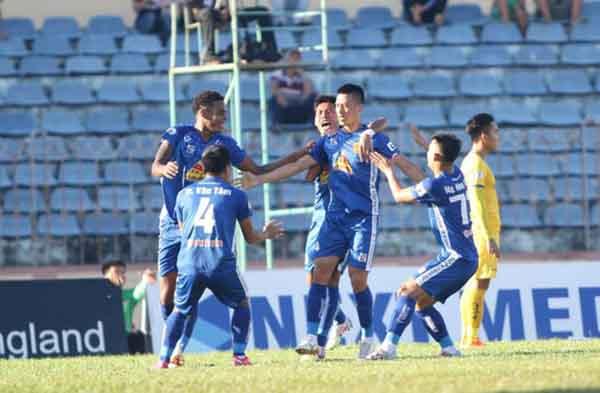 Hàng loạt CLB đề nghị huỷ V-League 2020, trao ngay cúp cho Sài Gòn FC - Bóng Đá