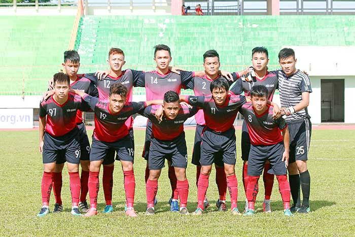 Phản ứng thái quá với trọng tài, 2 cầu thủ Tiền Giang nhận án phạt nặng từ VFF - Bóng Đá