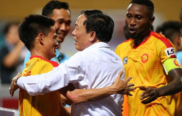 NÓNG: Bầu Đệ đổi ý, vẫn để Thanh Hóa thi đấu trọn vẹn V-League 2020 - Bóng Đá