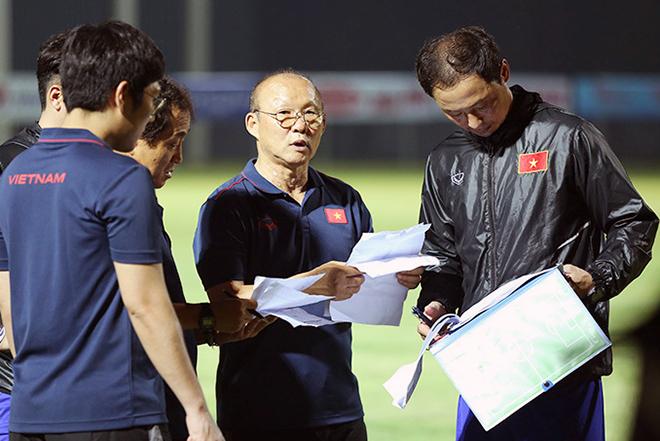 Thầy Park nói thẳng cơ hội khoác áo ĐT Việt Nam của Filip Nguyễn - Bóng Đá