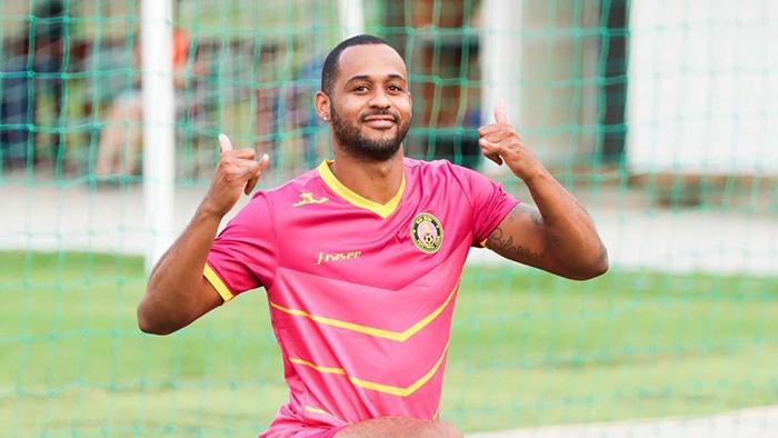 Chân sút số 1 V-League 2020 bị đe dọa, Sài Gòn FC lên tiếng bảo vệ - Bóng Đá
