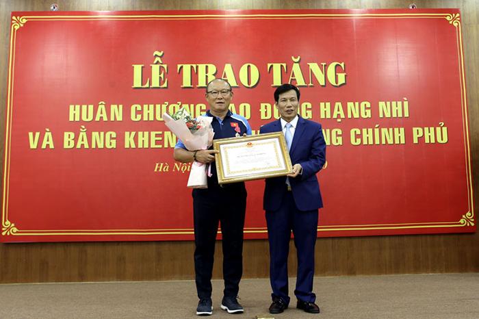 HLV Park Hang-seo được nhận vinh dự lớn từ Nhà nước Việt Nam - Bóng Đá