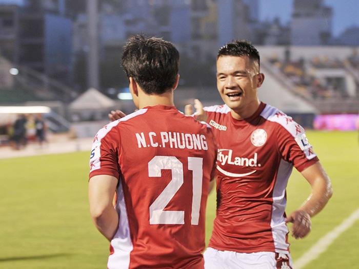 Công Phượng lập cú đúp, CLB TP.HCM thắng hủy diệt DNH Nam Định - Bóng Đá