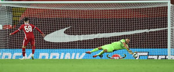 """Leno sắm vai người hùng, Arsenal """"phục hận"""" thành công trước Liverpool"""