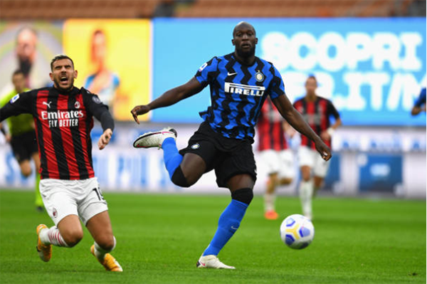 Ibrahimovic lập cú đúp, AC Milan quật ngã Inter ngay tại Giuseppe Meazza - Bóng Đá