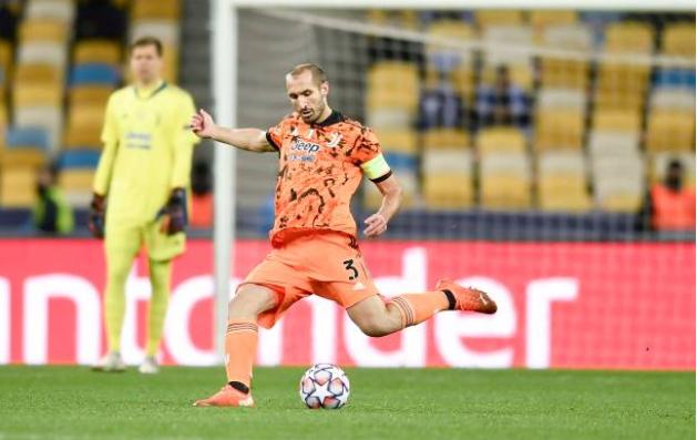 Thắng Dynamo Kiev, Juventus nhận tin kém vui từ 2 trụ cột (Chiellini và Dybala) - Bóng Đá