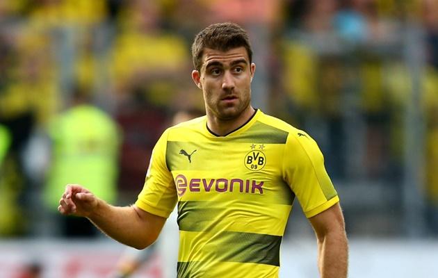 NÓNG: Arsenal CHỐT giá trung vệ Dortmund - Bóng Đá