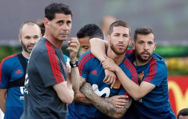 Xavi chỉ trích Real Madrid vì thông báo bổ nhiệm Lopetegui - Bóng Đá