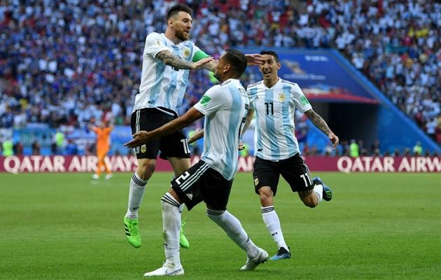 Huyền thoại World Cup chỉ trích Messi và Sampaoli - Bóng Đá