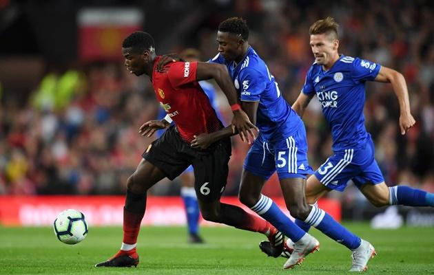 Pogba tiết lộ điều ĐẶC BIỆT khi được đeo băng thủ quân Man Utd - Bóng Đá