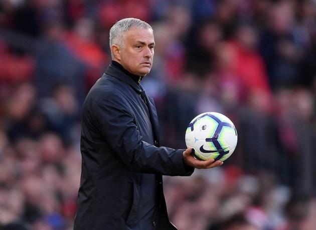 jose mourinho tưởng thưởng cho học trò sau chiến thắng trước newcastle - Bóng Đá