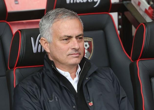 Paul Scholes chỉ trích Mourinho vì vấn đề lớn của Man Utd - Bóng Đá