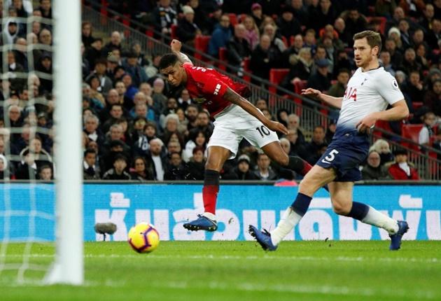 'Tottenham chỉ chơi với 2 hoặc 3 cầu thủ ở phía sau...' - Bóng Đá