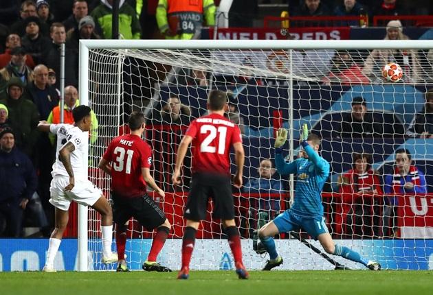 'Cầu thủ hay nhất Man Utd lại có pha phòng ngự kém cỏi' - Bóng Đá