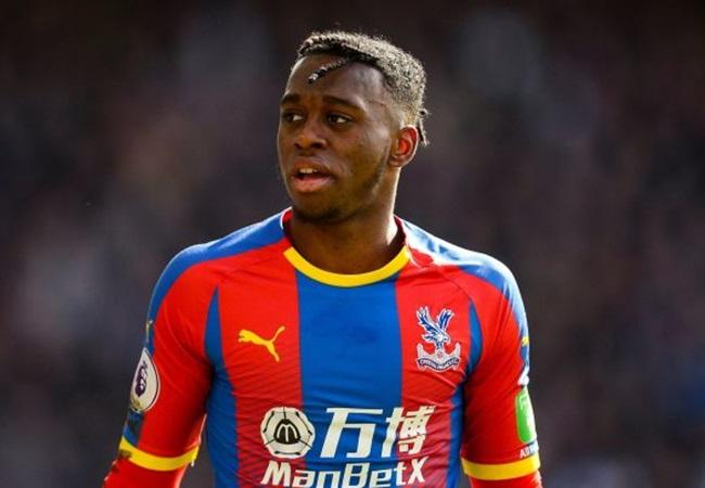 Tạt 'không trúng phát nào', Young đã làm lộ 'tử huyệt' của Man Utd - Bóng Đá