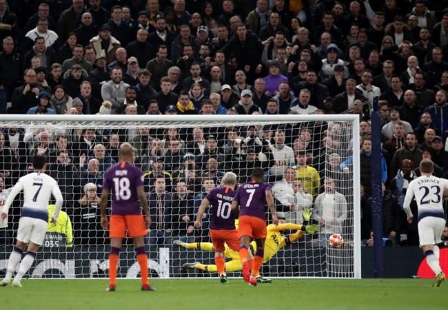 Pep Guardiola và 4 sai lầm 'tai hại' ở Champions League từ khi rời Barca - Bóng Đá
