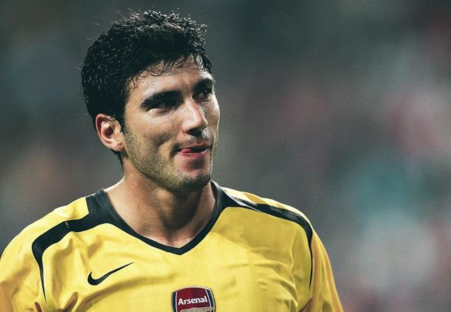 QUÁ SỐC! Cựu sao Arsenal 'đột tử' sau vụ tai nạn giao thông - Bóng Đá