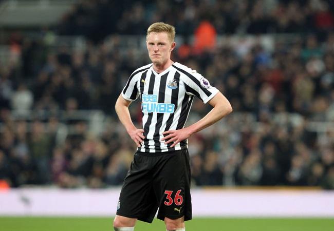 Man United splashing £25m on this rising English starlet is a gamble that might backfire - Bóng Đá