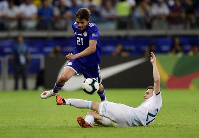 5 'thảm họa' của Argentina trận Paraguay: 'Tiểu Messi' tàng hình - Bóng Đá