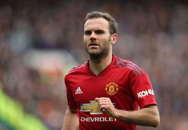 Juan Mata 'agreed to a £45,000-a-week pay cut' to get a two-year contract extension at Manchester United instead of one - Bóng Đá