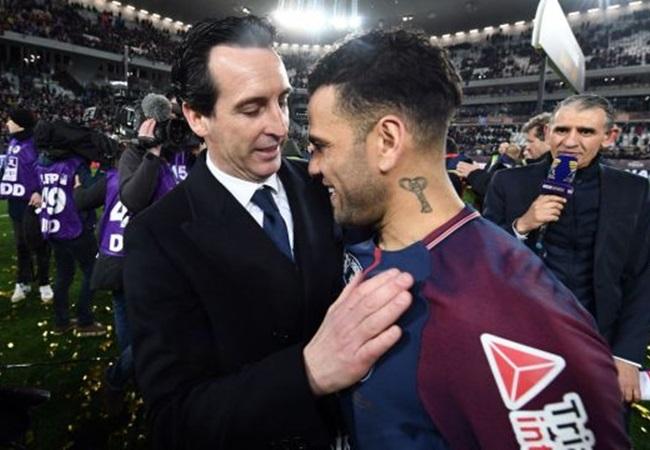 Dani Alves cập bến Emirates: Cú 'áp phe' ngoạn mục của Emery - Bóng Đá