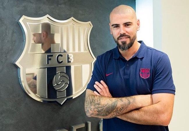 Official: Victor Valdes return Barca to become a new coach Juvenil A - Bóng Đá
