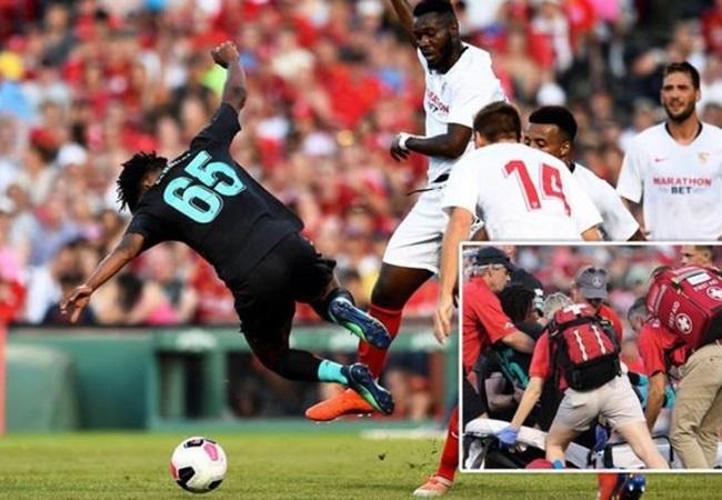 Yasser Larouci stretchered off after horror tackle by Sevilla star - Bóng Đá