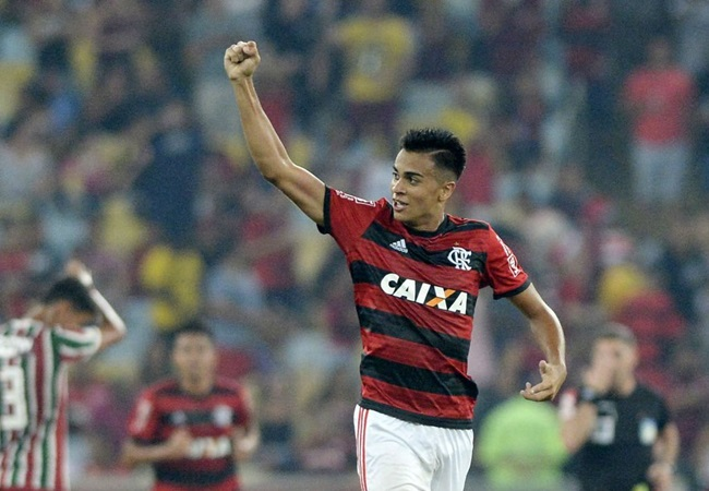Manchester City and Liverpool set for battle to sign 17-year-old Flamengo midfielder Reinier - Bóng Đá
