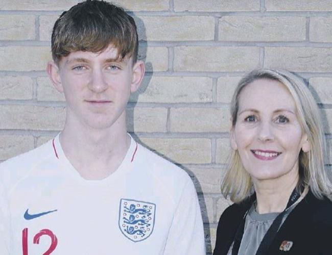 Arsenal and Manchester United in transfer battle to sign Sunderland starlet Logan Pye - Bóng Đá