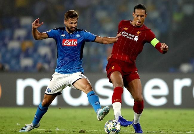 Làm lu mờ Van Dijk, 'quái thú' Napoli cho thấy mình 'ngon không kém' - Bóng Đá