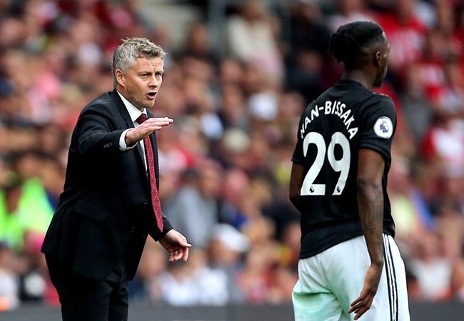 Patrice Evra explains why Sir Alex Ferguson would loved Aaron Wan-Bissaka at Manchester United - Bóng Đá