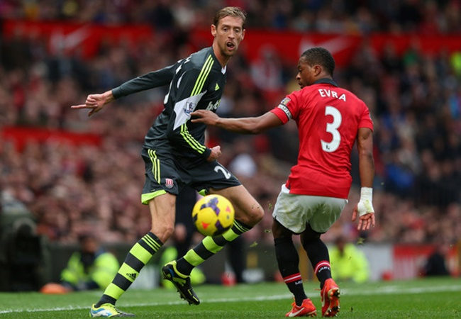 Evra talk about The first time played against Peter Crouch - Bóng Đá