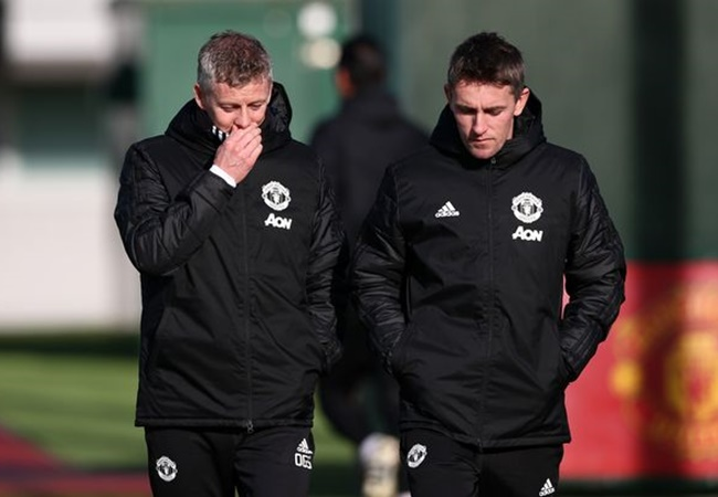 Manchester United players concerned by training sessions and have doubts over coach Kieran McKenna - Bóng Đá
