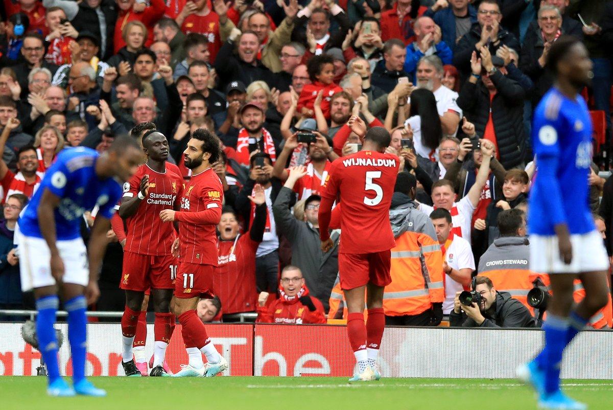 'Cậu ấy phòng ngự không biết mệt nơi cánh phải Liverpool' - Bóng Đá