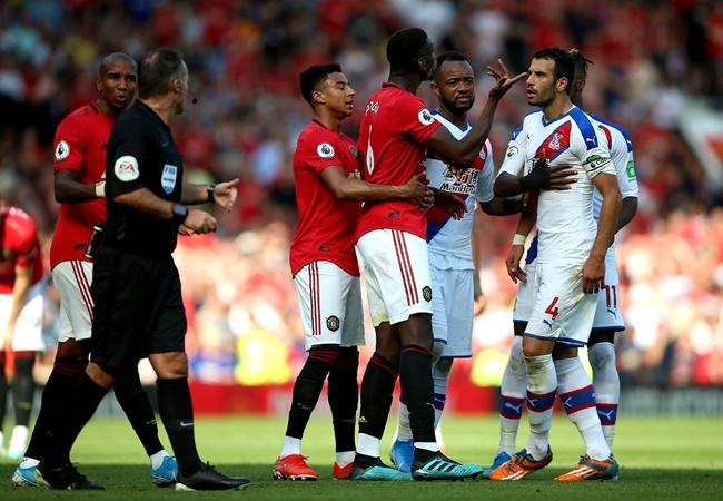 Manchester United left squad short -Bryan Robson - Bóng Đá