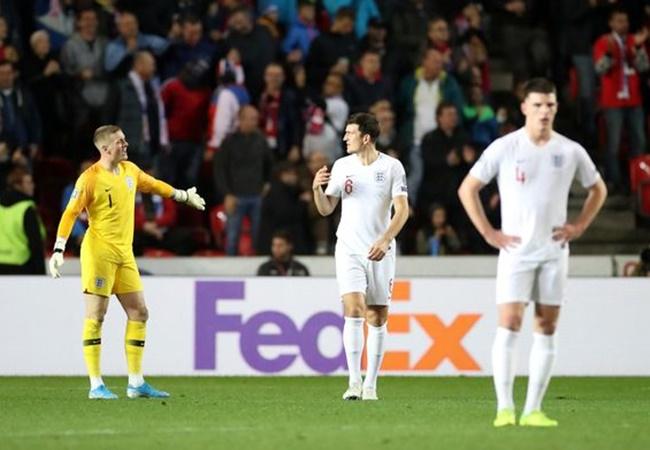 Fan Man Utd nóng máu: '80 triệu bảng? Tôi còn giá trị hơn cậu ta nhiều' - Bóng Đá