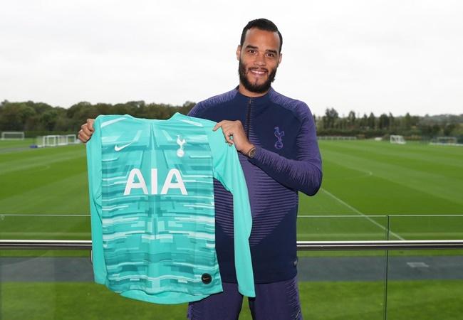 Offficial: Tottenham resign Michel Vorm - Bóng Đá