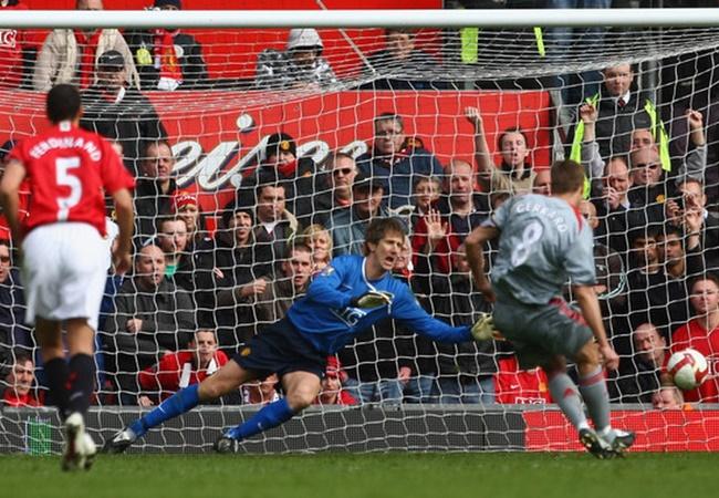'Châm ngòi' derby nước Anh, huyền thoại Liverpool 'xát muối' Man Utd - Bóng Đá