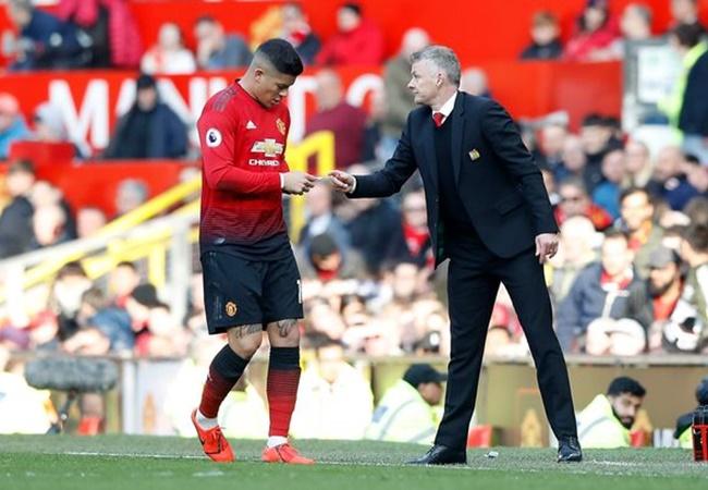 Strange details of Man Utd oversight in Marcos Rojo transfer under Louis van Gaal emerge - Bóng Đá