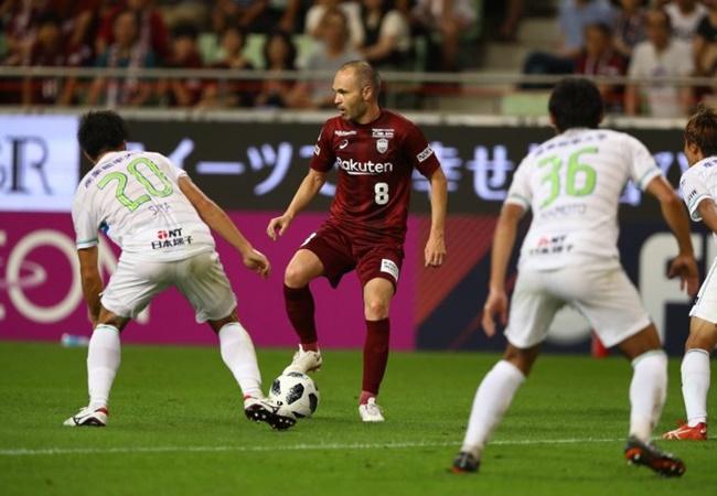 5 top midfielders with fewer career goals than Sergio Ramos - Bóng Đá
