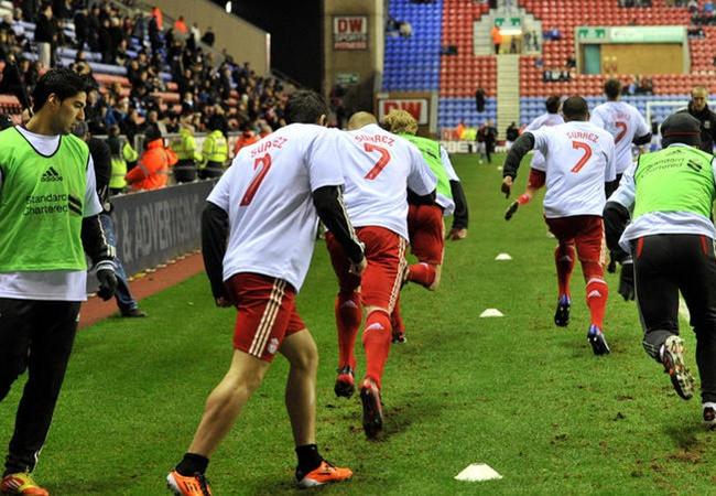 Carragher: 'Xin lỗi. Liverpool đã phạm sai lầm lớn' - Bóng Đá