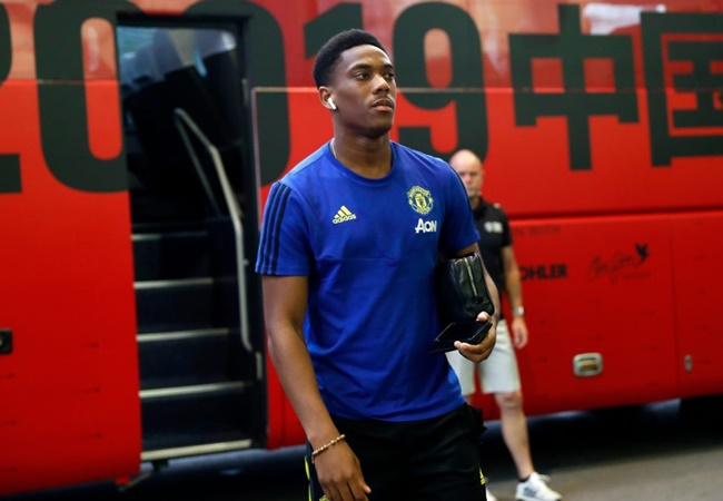 'France are missing out': Ashley Young questions Didier Deschamps' decision to leave Manchester United forward Anthony Martial out of squad - Bóng Đá