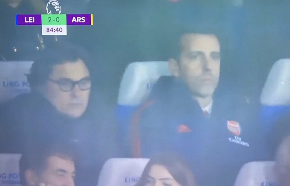 Arsenal fans demand Unai Emery sacking as Raul Sanllehi and Edu watch Leicester defeat - Bóng Đá