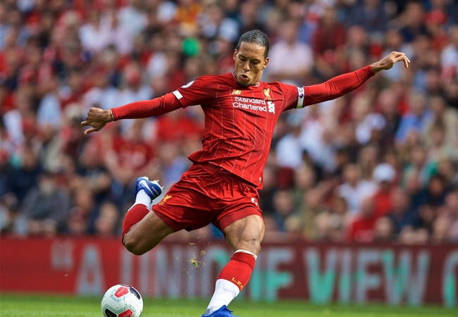 Virgil van Dijk replies when asked if Chelsea FC, Leicester City are in the title race - Bóng Đá