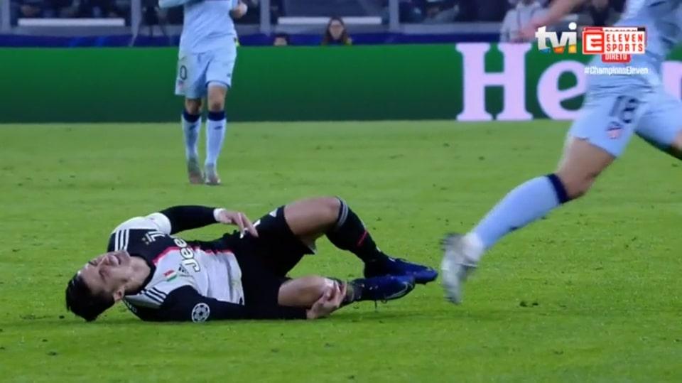 10 hình ảnh khó quên loạt trận C1 rạng sáng nay: Địa chấn 'bẻ còi'; 'Thảm họa' Morata - Bóng Đá