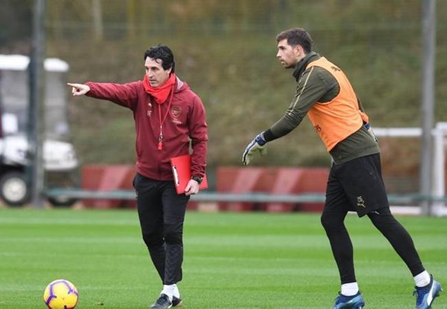 Dàn sao Arsenal và muôn màu phản ứng khi Emery 'bay ghế': Lạ lùng Ozil! - Bóng Đá