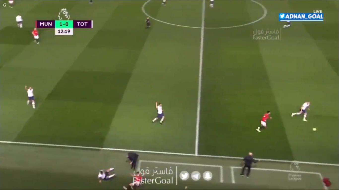 Nhiệt huyết của Daniel James khiến Mourinho đau đớn - Bóng Đá